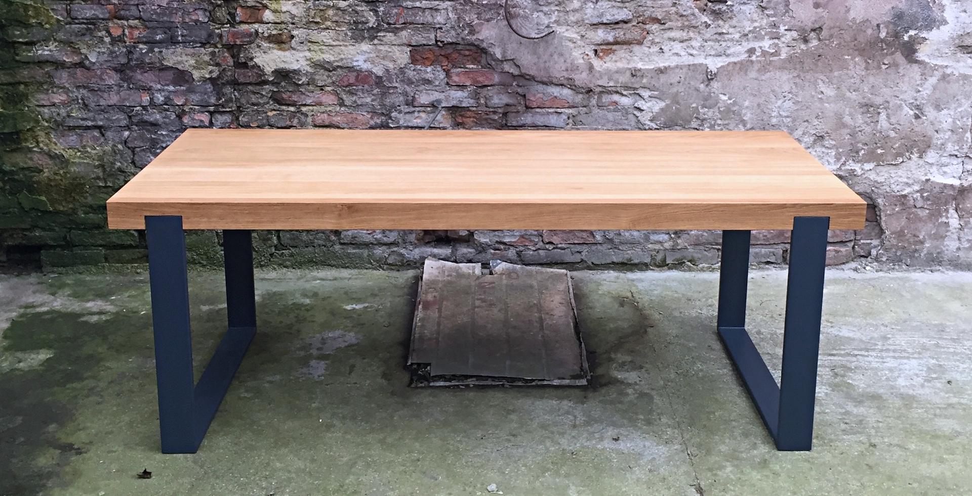 nowoczesna ława z drewna