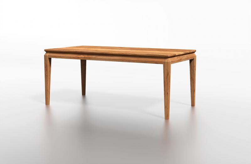Klasyczny stół drewniany