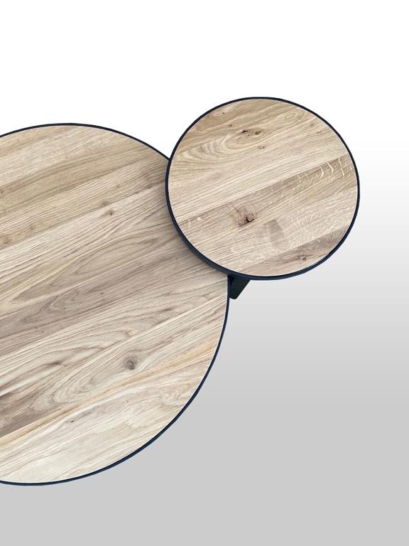 Stolik kawowy okrągły wykonany z drewna dębowego