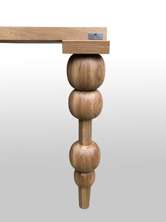 Noga toczona z drewna do stołu