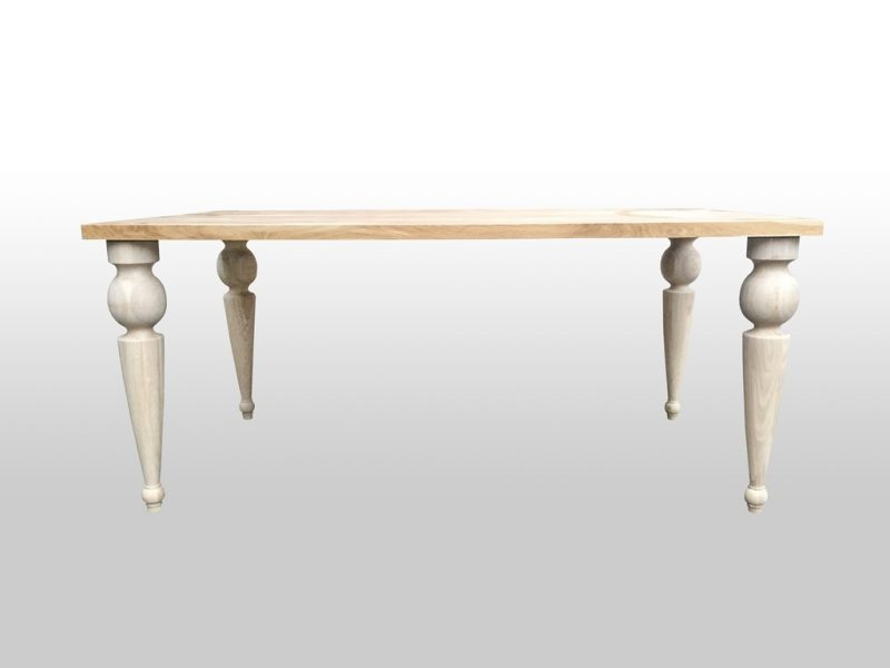 Stół dębowy Bloom z efektownymi toczonymi nogami