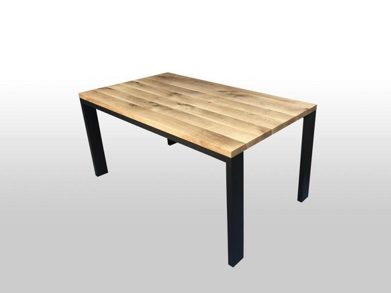 Drewniany stół Ever z metalowymi nogami