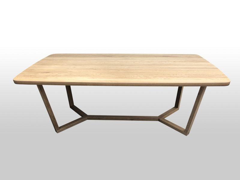 Drewniany stolik Rio idealny do nowoczesnego wnętrza