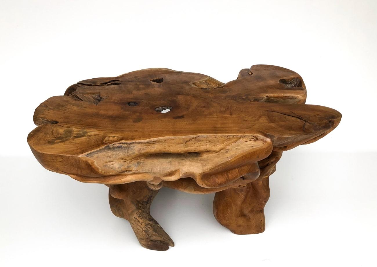 drewniana ława z drzewa egzotycznego
