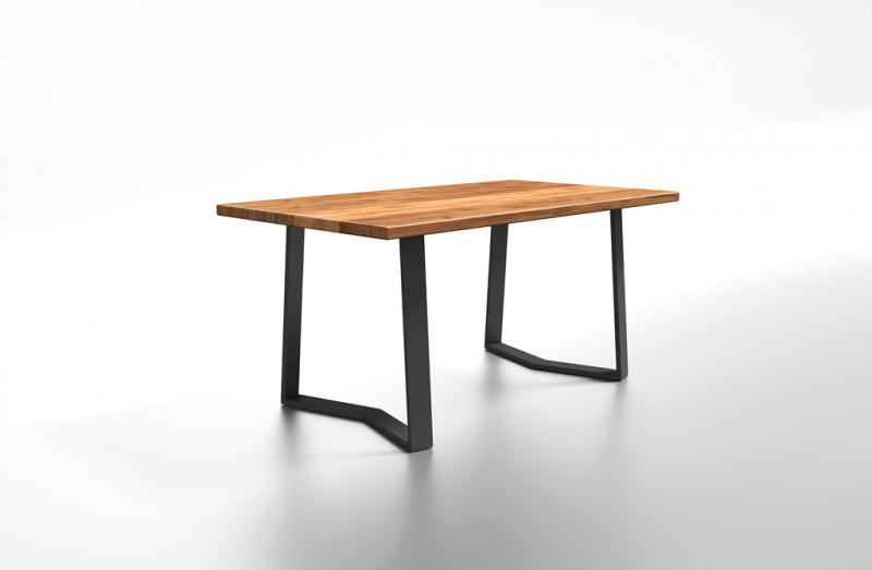 Drewniany stół na zamówienie