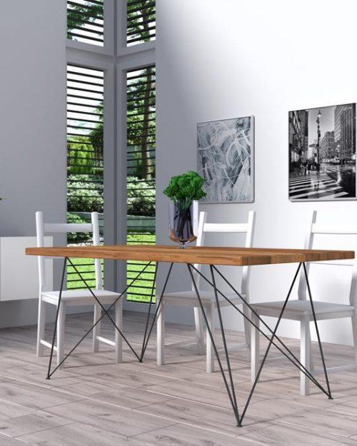Stół drewniany zmetalem domieszkania
