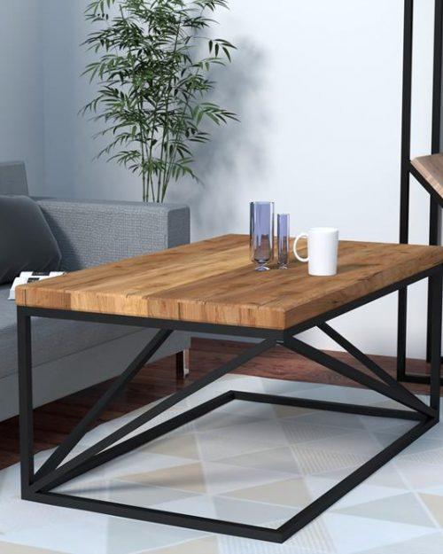 Stół kawowy z drewna do mieszkania