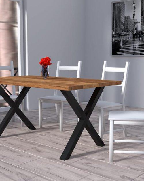 Stolik z drewna dębowego na metalowych nogach